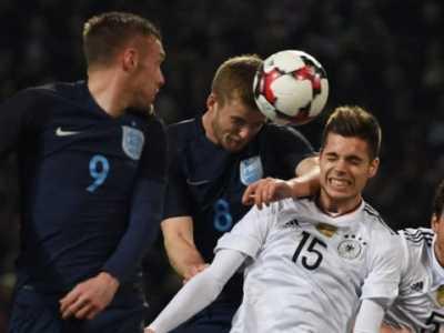 厄齐尔超两名宿 英格兰vs德国